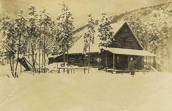 EdwardsCabin1912-a