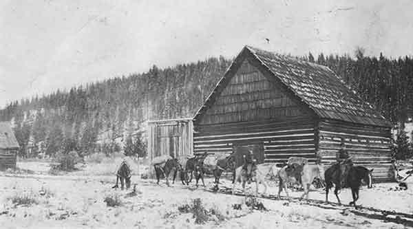 1903RanchPackstring-a