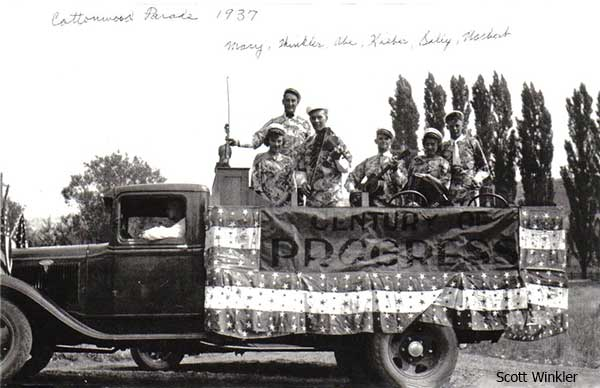1937CottonwoodParade-a