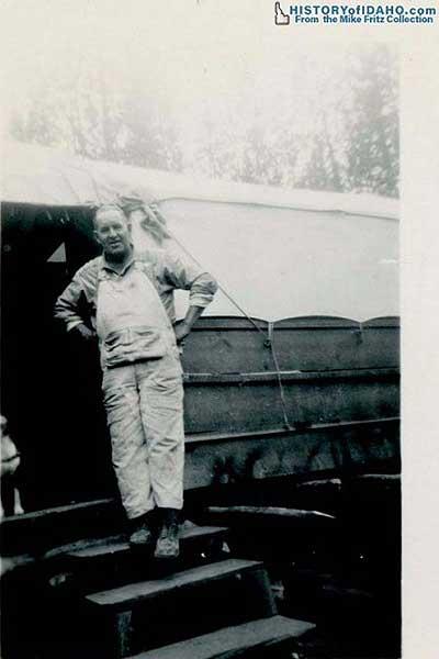 StibniteIdahoSummer1942-11-a