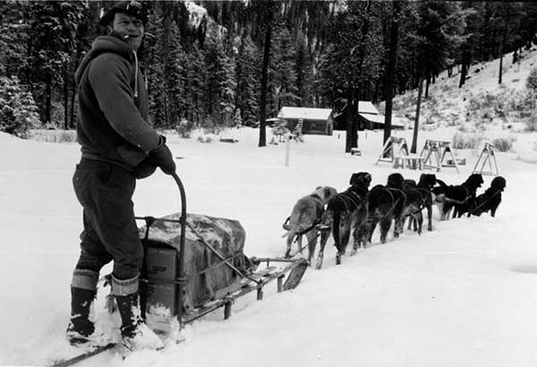 1935-1945YPDogSledFreight-a