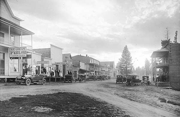 lake-street-mccall-1914-a