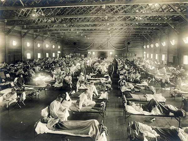 EmergencyhospitalduringInfluenzaepidemicCampFunstonKansas-a