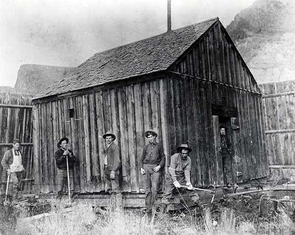 1892ChallisJail-a