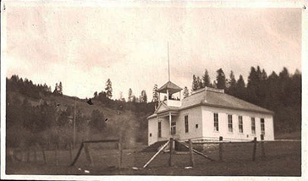 schoolHarpsterSchool1918PBC-a