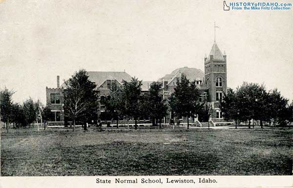SchoolStateNormalSchoolLewiston1912Fritz-a
