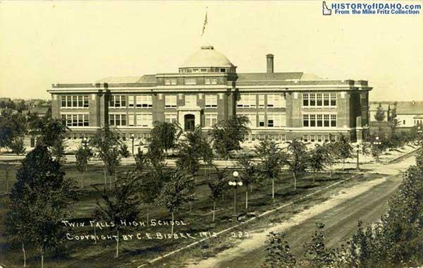 SchoolTwinFallsHighSchool1912Fritz-a