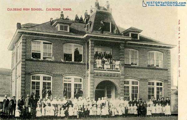SchoolCuldesacHighSchoolCuldesac1910Fritz-a