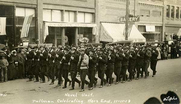 Flu1918Pullman11-1918parade-a
